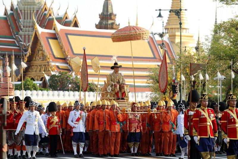 Coronation day on the street